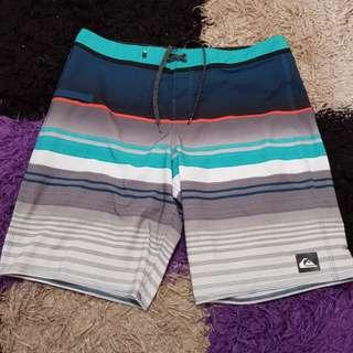 Celana pendek quicksilver 100%original