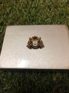 Jata Johor collar pin Gold