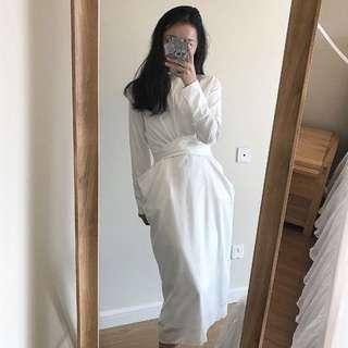 白色緞面洋裝