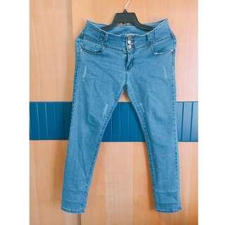 中大尺碼 三排扣 牛仔褲 XL 二手