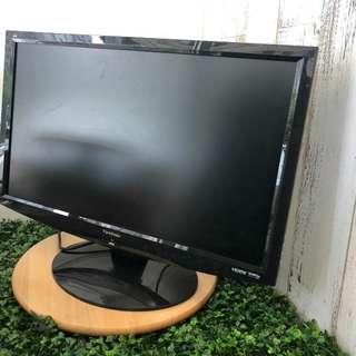 24吋  ViewSonic Mon, 100%操作正常,有 HDMI 可打PS4,有DVI, VGA 作電腦Mon