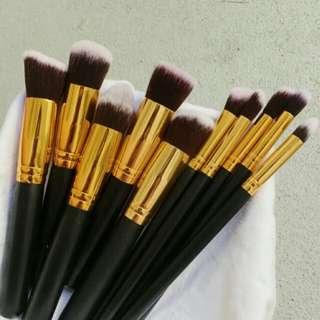Kabuki Makeup Brushes -black gold