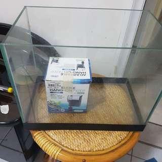 🚚 Mini aquarium with impeller.