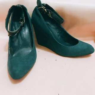 Sell fast! Ck heels size 36