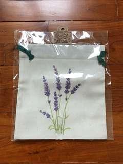 BNIB floral Pouch