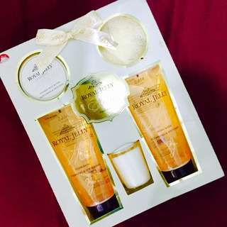 Beauty set (Honey-butter lotion, body wash, body scrub, scented candle, etc)