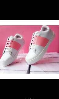 Sepatu putih mix pink