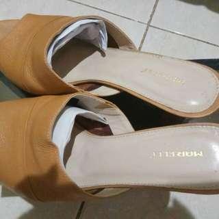 Heels kulit cokelat / Sandal kulit