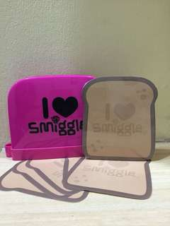 smiggle toaster notes holder