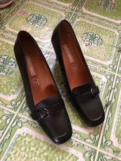 Office leader shoes