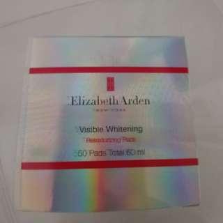 Eluzabeth Arden whitening exfoliation pad.