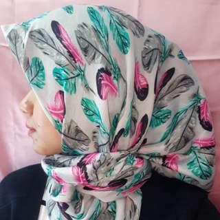 Jilbab segi 4 motif Elzatta