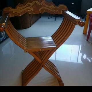 Vintage Chair. Italian Quality Hand Crafted Foldable Wooden Chair. High Quality Antique Designer Chair. Well Built and Sturdy. Collectable Art Piece From The 70s. The Only One Of A Kind Rare Find In Singapore. Slight Nego