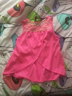 Bright pink sleeveless shirt 152cm