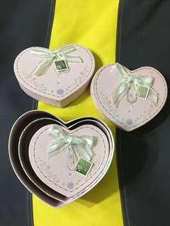 Heart shape storage boxes (3 boxes)