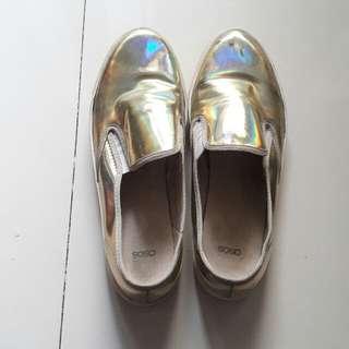 Sepatu Asos