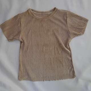 Pleated top (Oaken top in metallic nude)