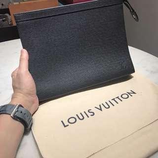 LV手拿包