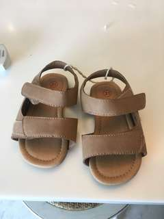 Seed Heritage - never worn baby sandals (size 21)