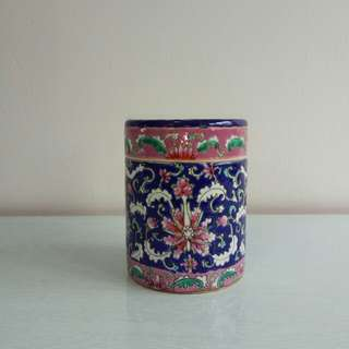 Straits chinese lndigo blue ceramic jar and cover height 14cm diameter 10cm original small chip at the cover