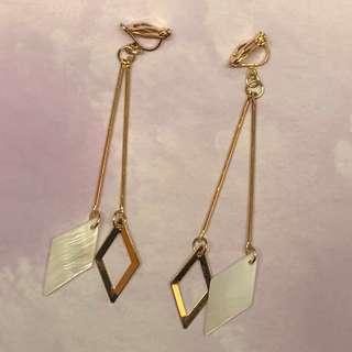 [包郵]金色菱形耳夾