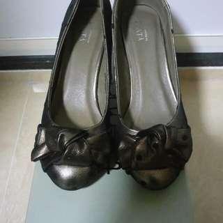 Plata 扭結銅金色 高踭鞋