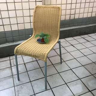 舒適椅子 2張 輕便好拿