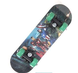 Junior Skateboard 43cm - Avengers, brand new