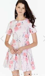 The Closet Lover TCL Pearlina Floral Printed Dress in Size S