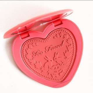 Too Faced Blush (How Deep Is Your Love)