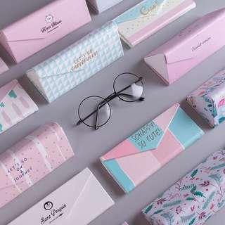 BN Foldable Glasses Case (White)