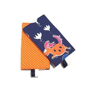 Moomin Paradise with Orange Polka Dots in Reverse Straight Drool Pads