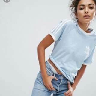 LOOKING FOR ADIDAS ORIGINALS 3 STRIPES TOP / CROP TOP