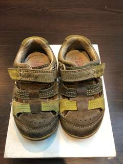 Clarks First Shoes 4 1/2 F