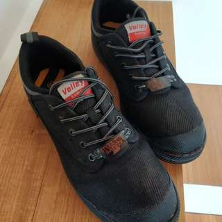 Dunlop Volley steel toes