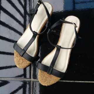 Sandal kait