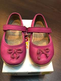 Clarks First Shoes 4 1/2 G pink colour