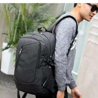 External Plug-in Large Outdoor Leisure Shoulder Bag (Black)