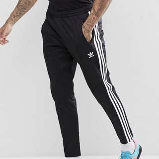 adidas Originals adicolor Beckenbauer Jogger, Small, Black