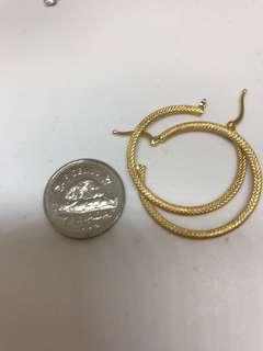 18k textured hoop earrings!