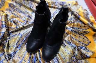 Nuovo Black Boots
