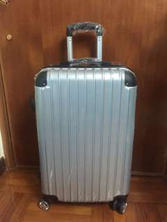 24' silver suitcase 24吋銀色旅行箱