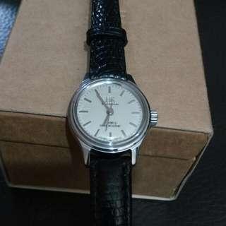 真正古董表(30年以上)上海牌機械錶黑色蜥蜴皮帶genuine lizard