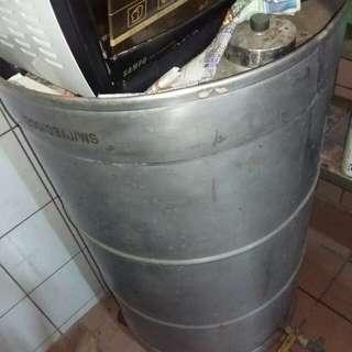 🚚 耐酸蝕鐵桶