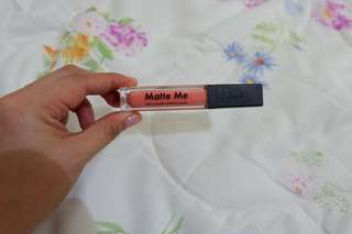 Matte Me Ultra smooth matte lip cream (Apricot Blooms 035)