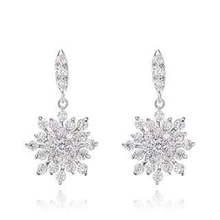 雪花耳墜/Snowflake Earrings