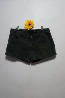 Penshoppe Black Short