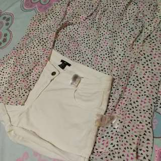 Uniqlo top xl and H&M shorts US 8