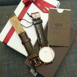 Daniel Wellington 32mm 女裝 watch ( 有兩款皮帶提供)