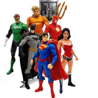 TV Superhero 6pcs 15cm PVC Figures Superman Batman Aquaman The Flash Wonderwomen